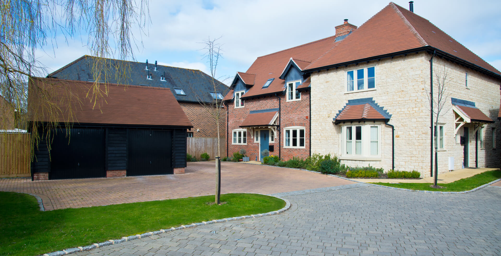 We have extensive knowledge & experience of all types driveways which will provide years of service for your home or business premises.